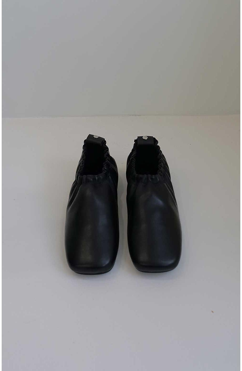 신발 차콜 색상 이미지-S2L13