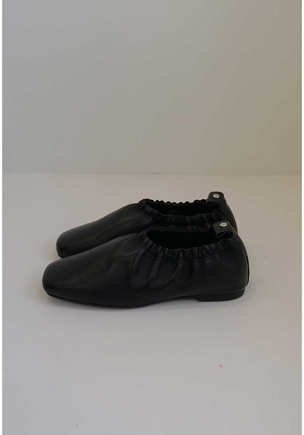 신발 차콜 색상 이미지-S2L15