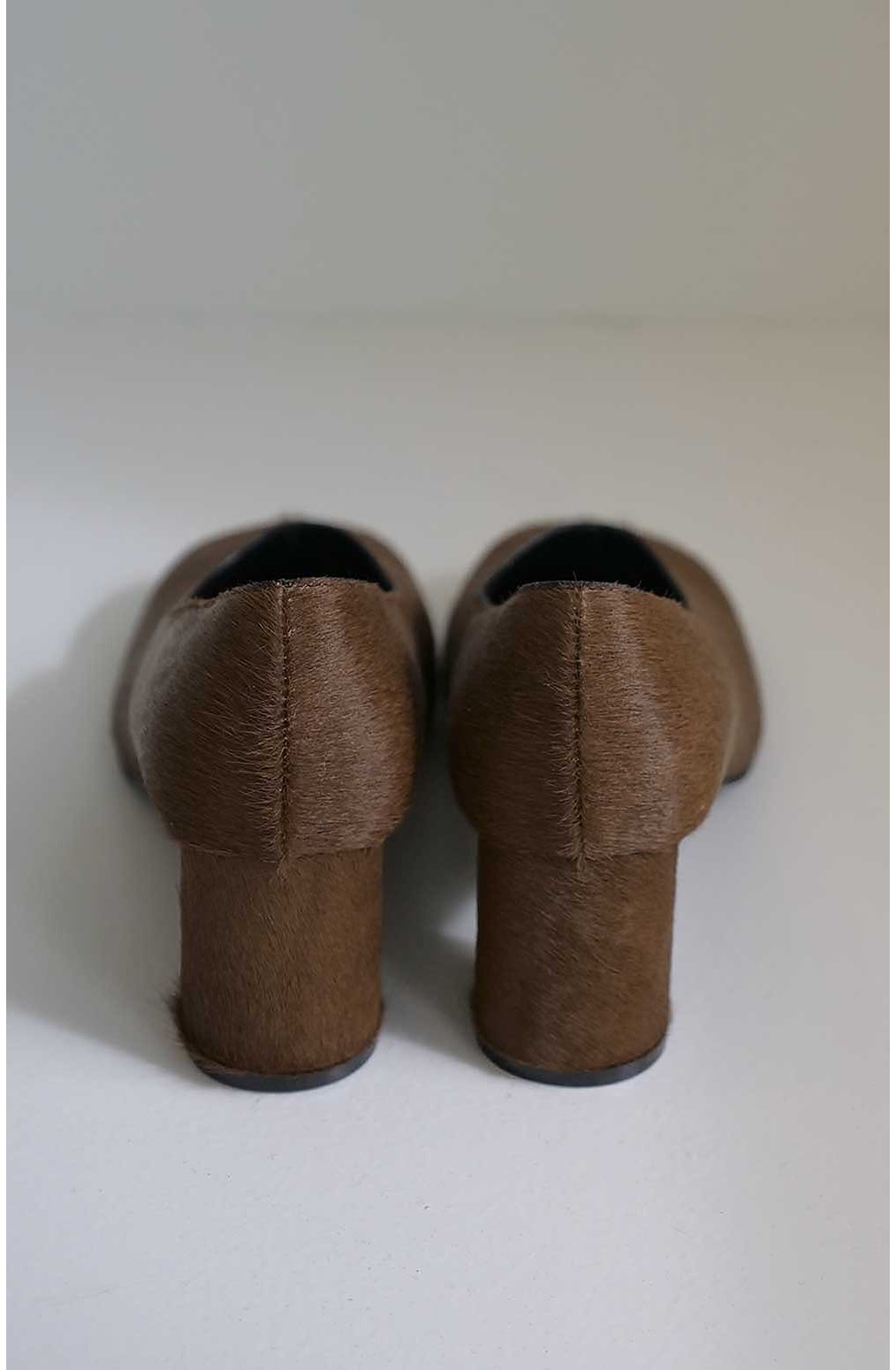 신발 브라운 색상 이미지-S3L16