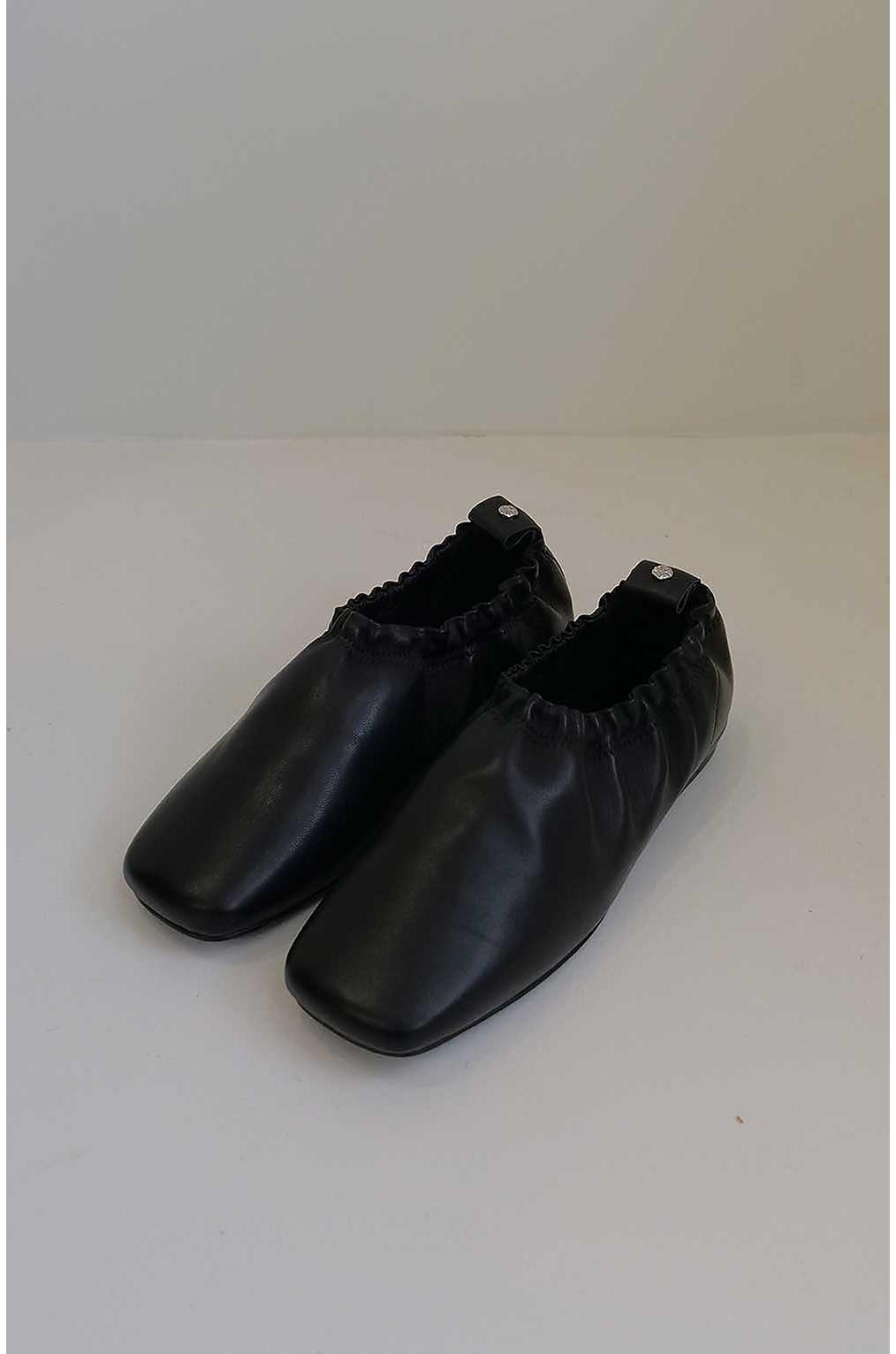신발 차콜 색상 이미지-S2L14