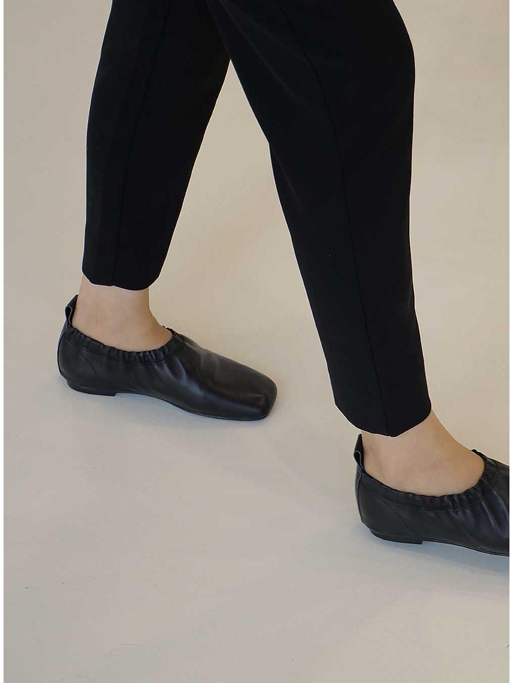 신발 상품 이미지-S2L9
