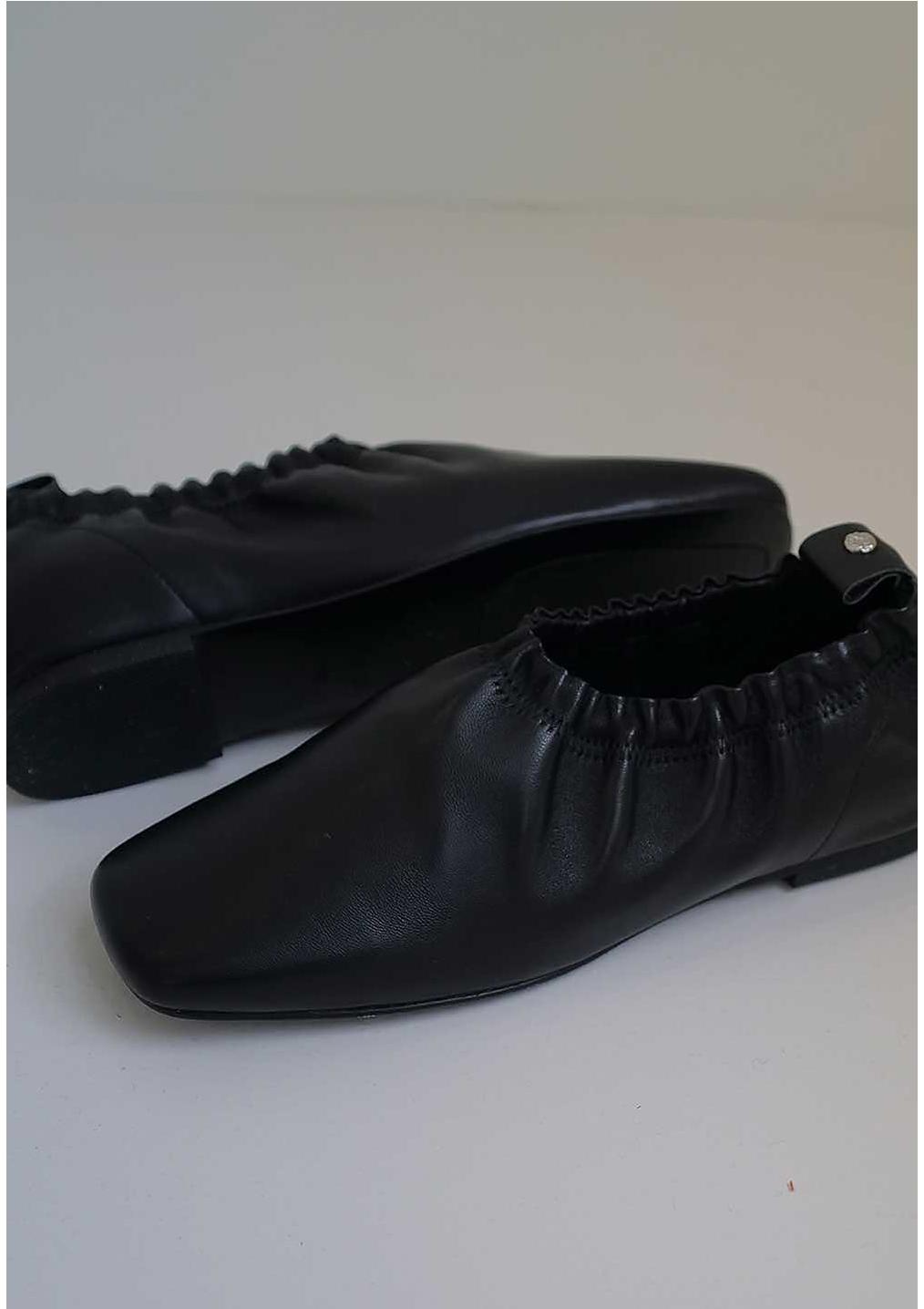 신발 차콜 색상 이미지-S2L19