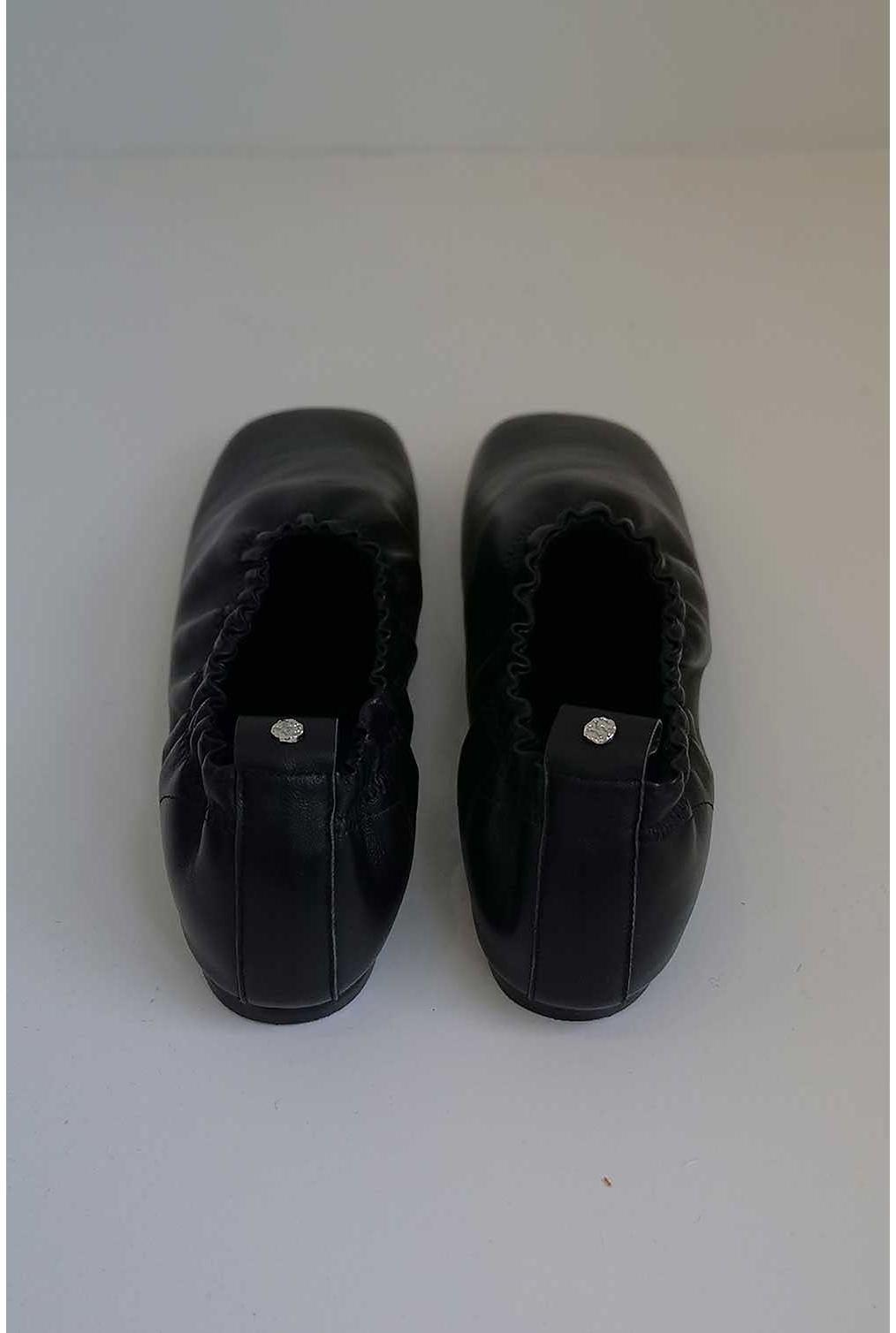신발 차콜 색상 이미지-S2L16